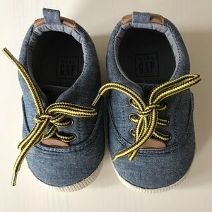 Gap Baby Crib Shoes Size 12-18 Months